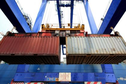 Global trade continues nosedive, UNCTAD forecasts 20% drop in 2020